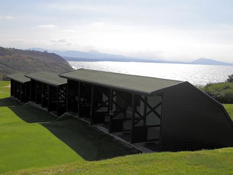 Postes abrités du centre international d'entraînement au golf d'ilbarritz (Biarritz)