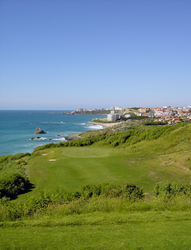 Golf d'ilbarritz - trou no 3 vue sur Biarritz et le rocher de la vierge